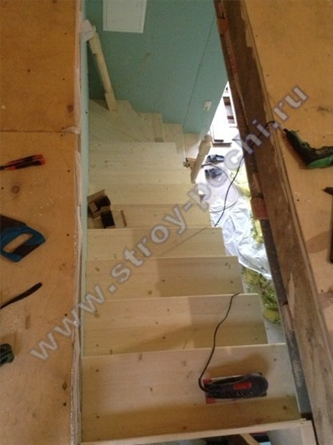 строим лестница на 2-й этаж из дерева 2019 ноябрь