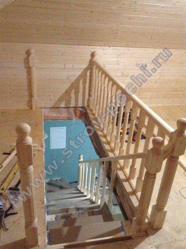 наш проект лестница на 2-й этаж из дерева 2019 ноябрь